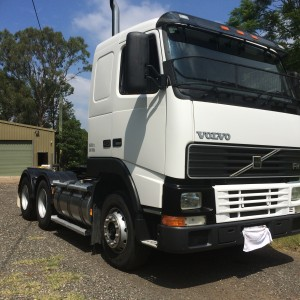 AS NEW - VOLVO FH12 420hp TRUCK FOR SALE